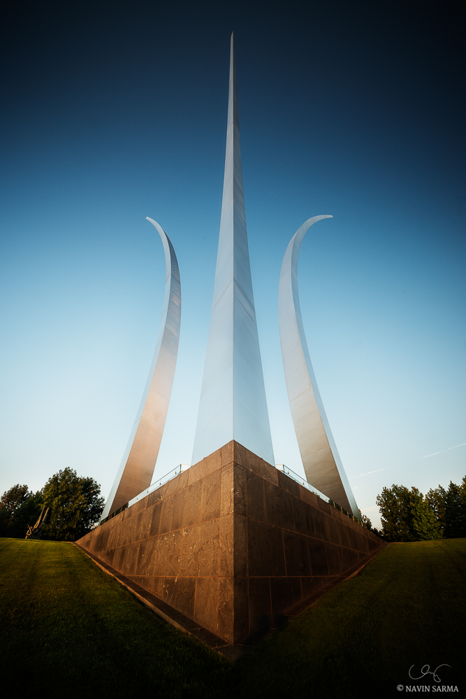 A clear blue sunset allows the Air Force Memorial to glow