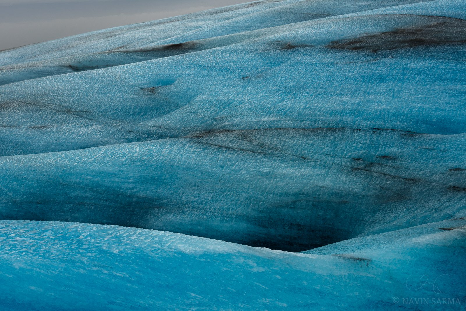 Ice Hills - Undulating hills fade into the distance atop the Vatnajökull glacier