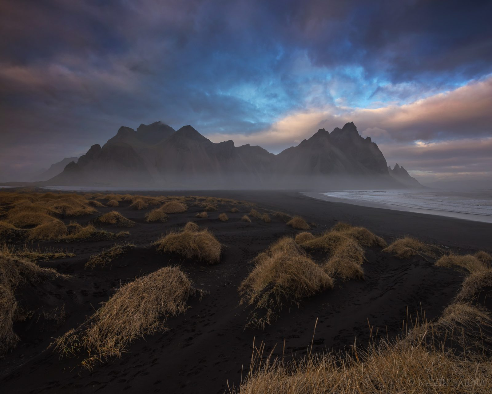 A moment of color at sunset at Vesturhorn mountain